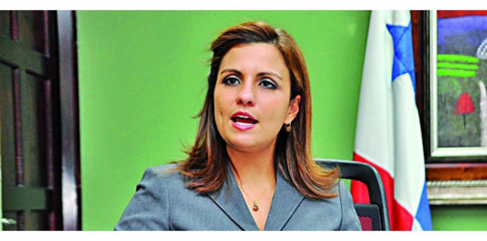 Ana Giselle Rosas dice que ha sido víctima de una 'persecución implacable'