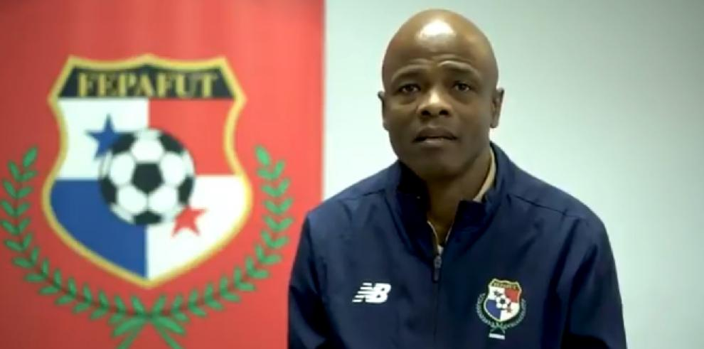 Julio César Dely Valdés se ve en el Mundial de Catar 2022 al frente de Panamá