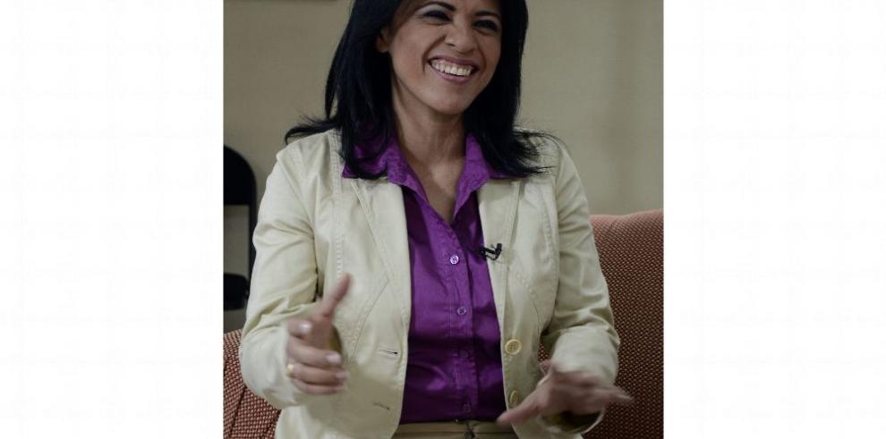 Yadira Pino, educadora a tiempo completo
