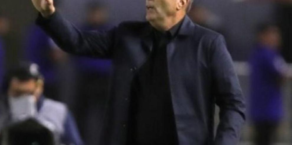 El argentino Frank Kudelka abandona el banquillo de la Universidad de Chile