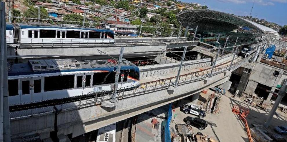 Panamá inaugura grandes obras y
