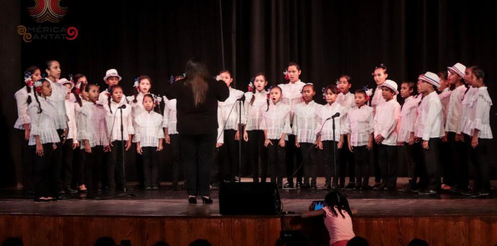 Los coros se apropian de la música popular y el folclor