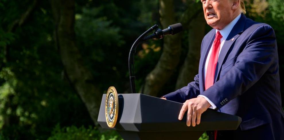 Trump urge a la Fed a actuar para mantener la competitividad con China y la UE