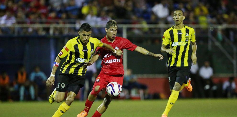 Cuatro comparten la cima en arranque del torneo Apertura del fútbol panameño