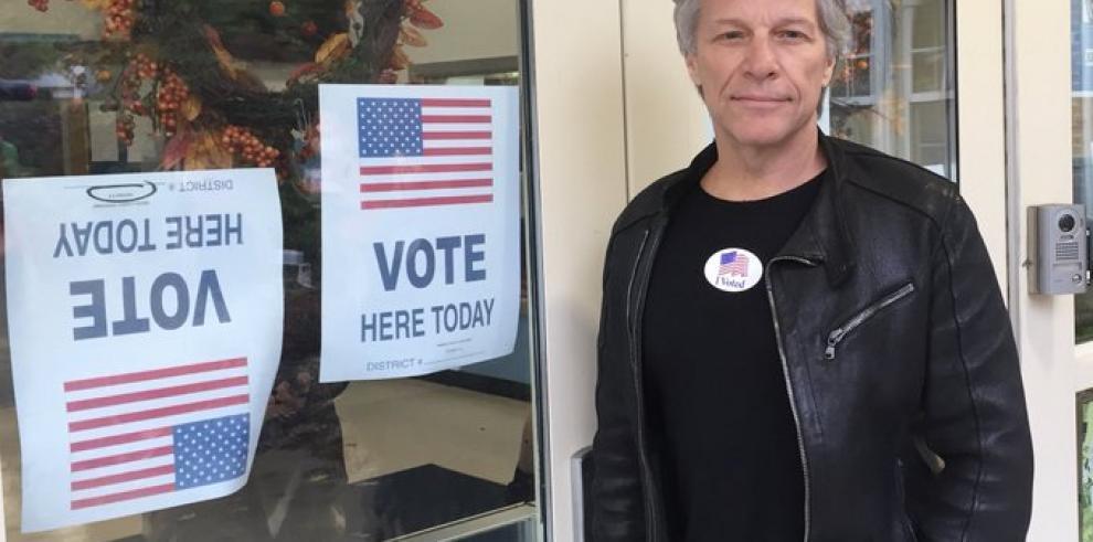 Jon Bon Jovi recauda fondos para aspirante a presidencia de EEUU Cory Booker