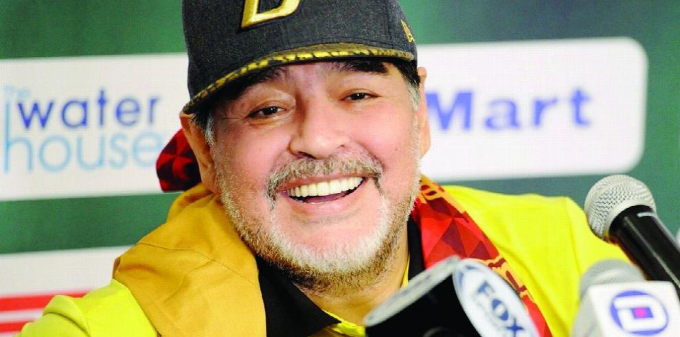 Maradona: 'Yo también sufrí cantos racistas'