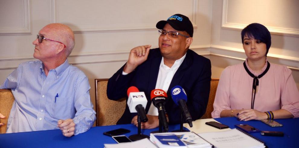 Dimitri Flores denuncia irregularidades en firmas