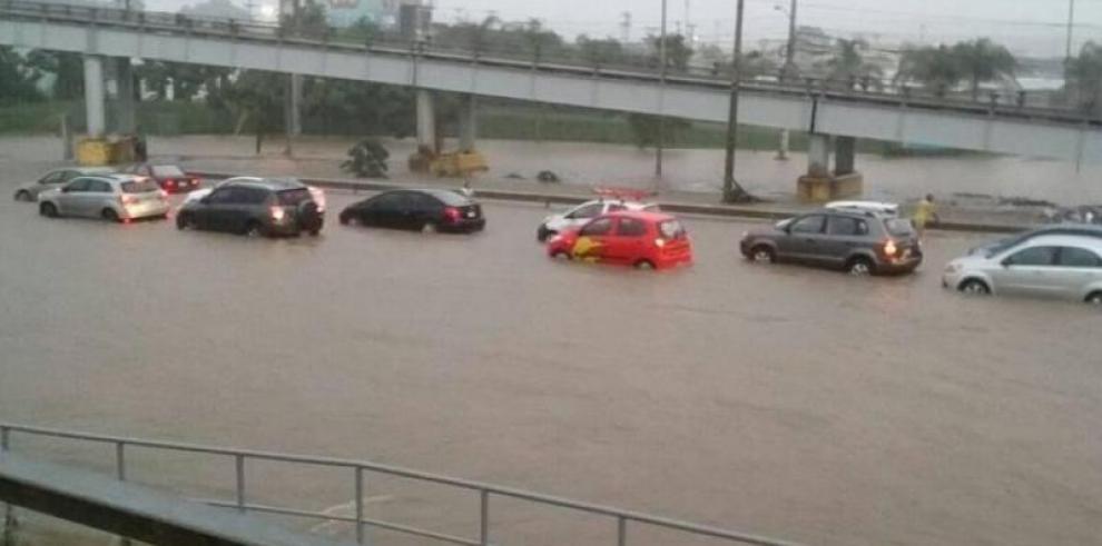 Sinaproc alerta sobre lluvias con descargas eléctricas