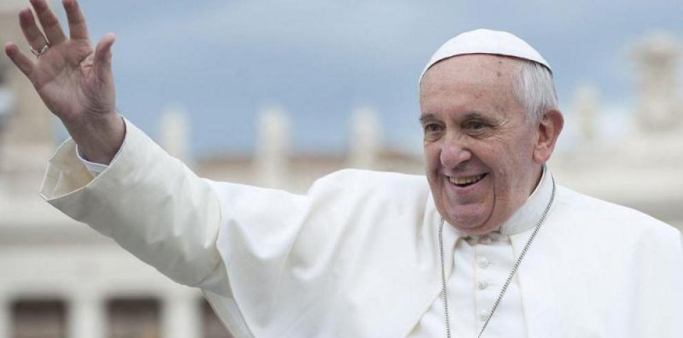 El Papa pide acoger a los migrantes para contribuir a desarrollo de sociedad