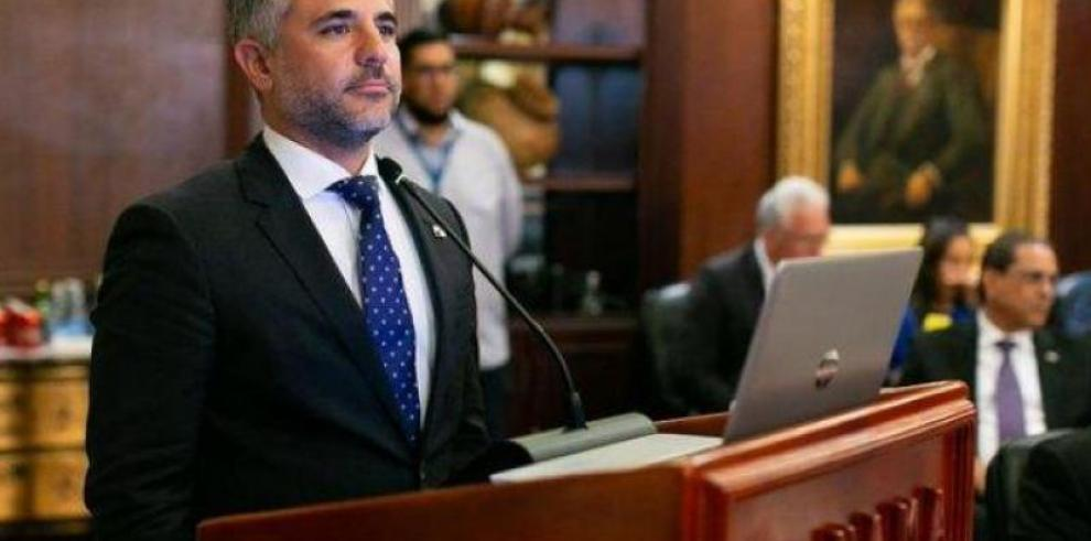 Proyecto para construir el cuarto puente sobre el Canal 'no se ha detenido', asegura ministro