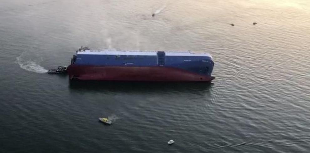 Rescatados 4 tripulantes de buque de carga que se volcó en Georgia (EE.UU.)