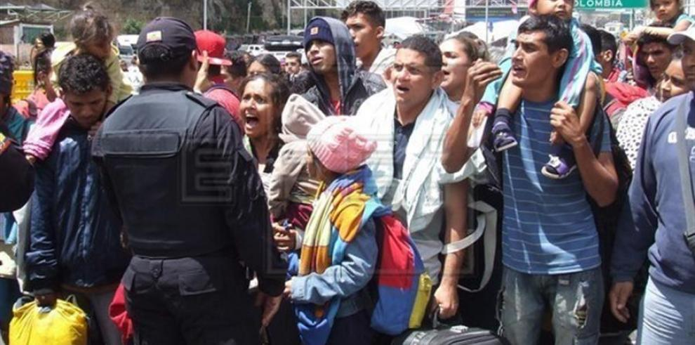 Migrantes venezolanos piden a