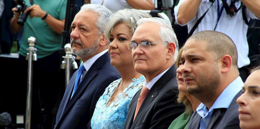 Cambio de mando en el Canal de Panamá, bajo la sombra de la guerra comercial y la sequía