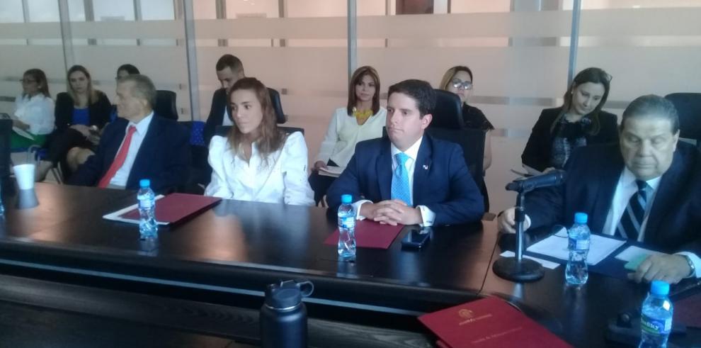 Embajador Plenipotenciario de Panamá en EEUU comparece ante la Asamblea Nacional