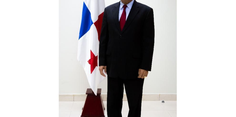 Cortizo designa al economista Moisés Veliz como nuevo director del Inadeh