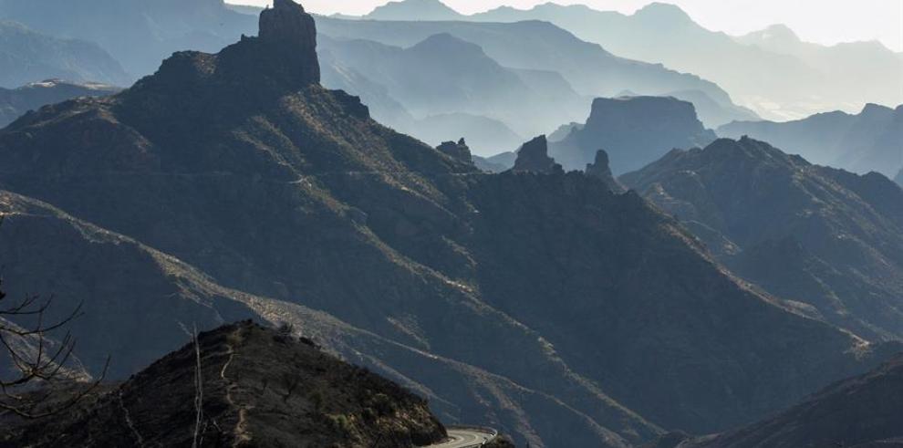 El incendio en isla española de Gran Canaria remite y hoy podrá estabilizarse