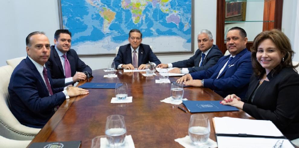 Cortizo diseña estrategia para sacar a Panamá de la lista del GAFI