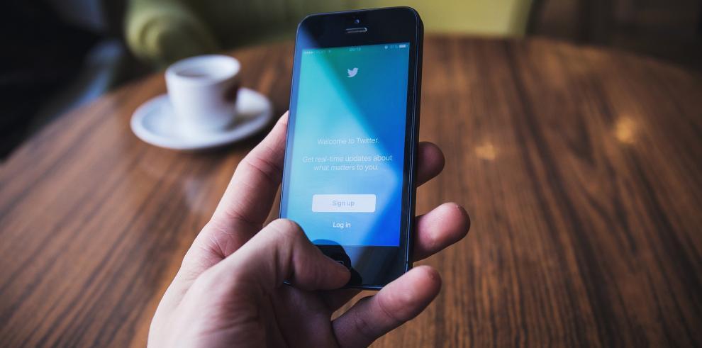 Twitter extiende la suspensión a las cuentas de Raúl Castro y su hija Mariela
