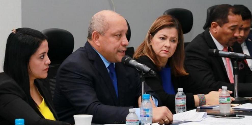 Comisión de Salud inicia discusión de proyecto que modifica ley de medicamentos