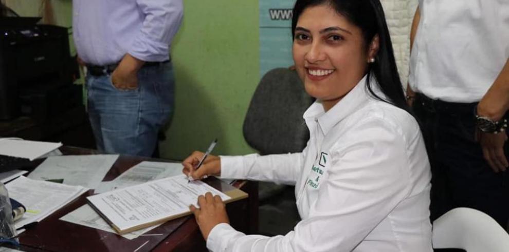 Atacan con explosivos la casa de candidata a alcaldía de municipio colombiano