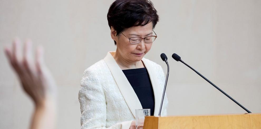 La líder hongkonesa retira polémico proyecto de ley para frenar la violencia
