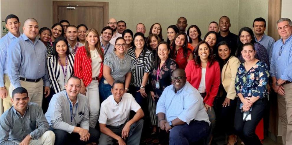 Bayer festeja presencia en Panamá