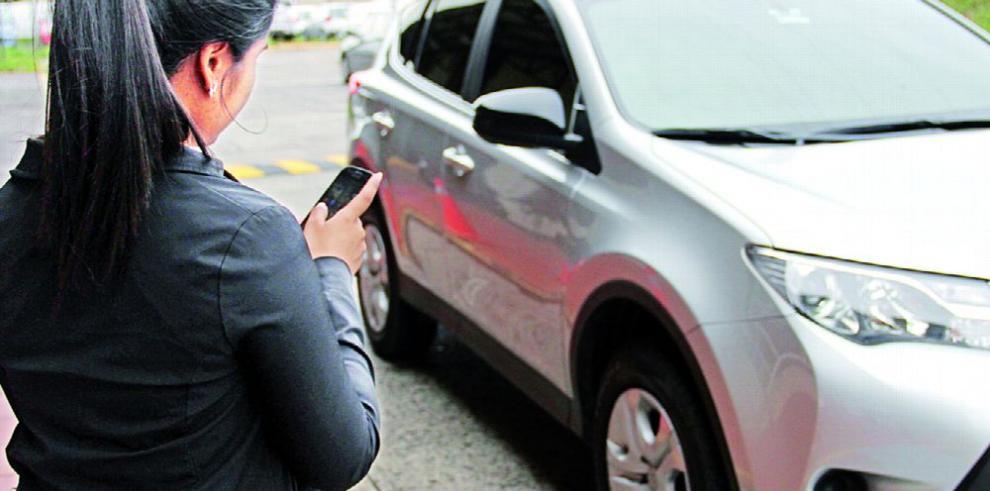 La plataforma de transporte Uber presiona para quedarse en Panamá