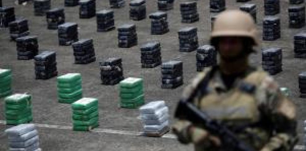 Senan incauta 1.7 toneladas de cocaína y busca 5 personas vinculadas a alijo