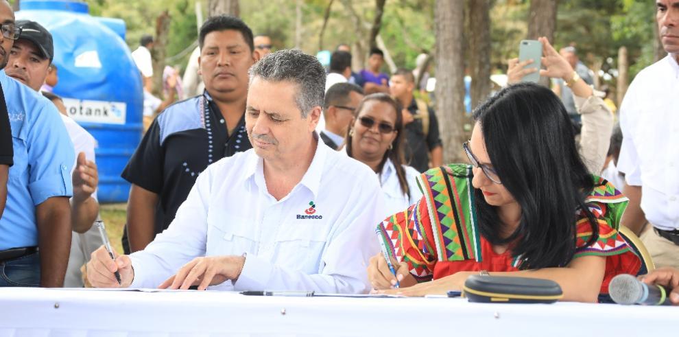 MIDES entrega 300 becas a emprendedores en la comarca Ngäbe Buglé