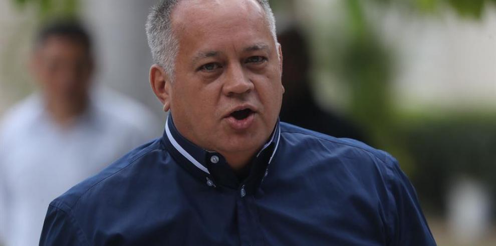 Diosdado Cabello niega que Venezuela apoye a las FARC para retomar las armas