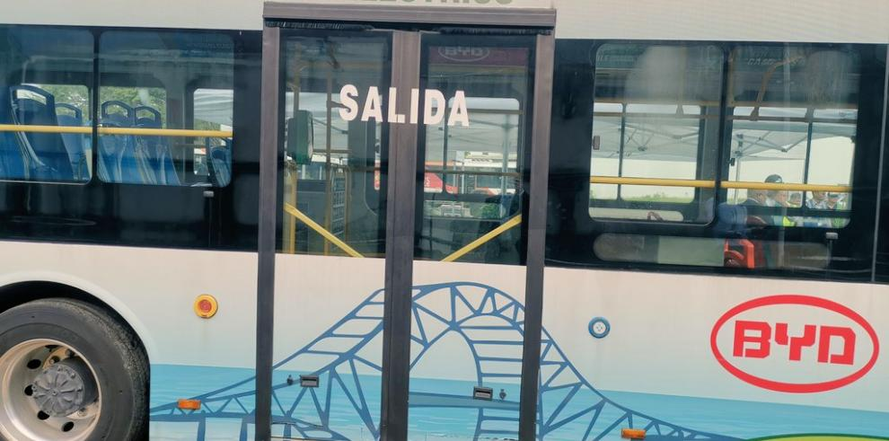 Bus eléctrico recorre nueva ruta en San Miguelito