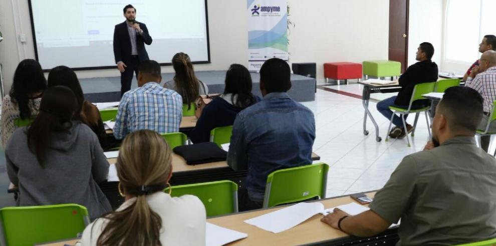 Empiezan programa 'Inicie su Negocio' para emprendedores