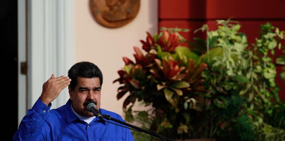 Maduro declara alerta en la frontera con Colombia y ordena ejercicios militares