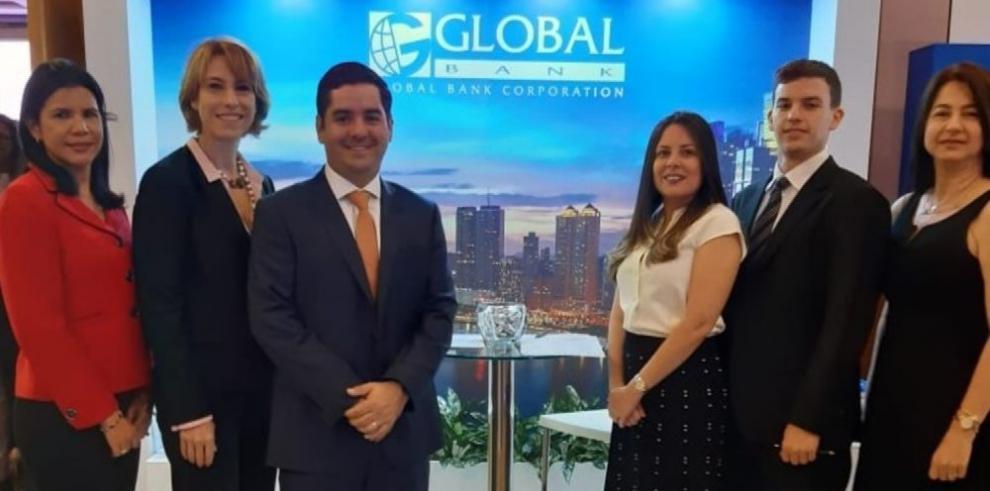 Global Bank patrocina Foro de Inversionistas