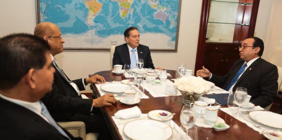 Presidencia ayudará remozar y pintar edificios de la Universidad de Panamá