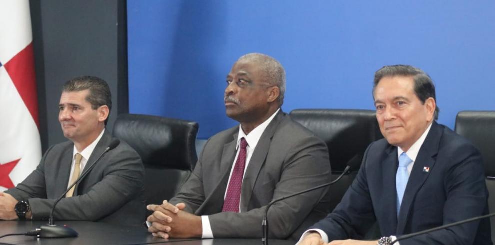 Designa a Enrique Sanchez y Nicolás González Revilla como miembros de la junta directiva de la ACP