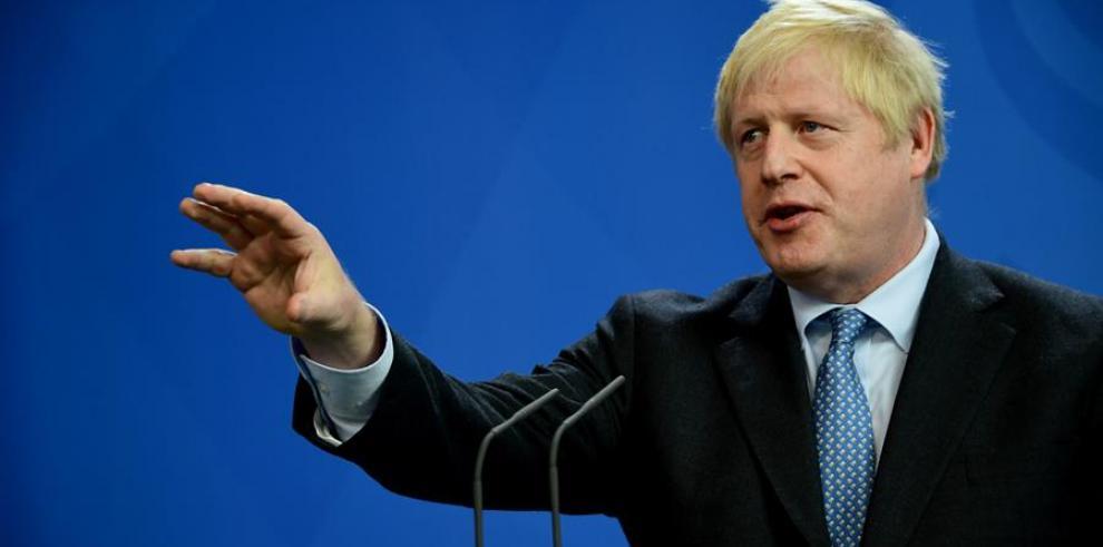 Johnson pide no 'hacerse ilusiones demasiado pronto' sobre el pacto del 'brexit'