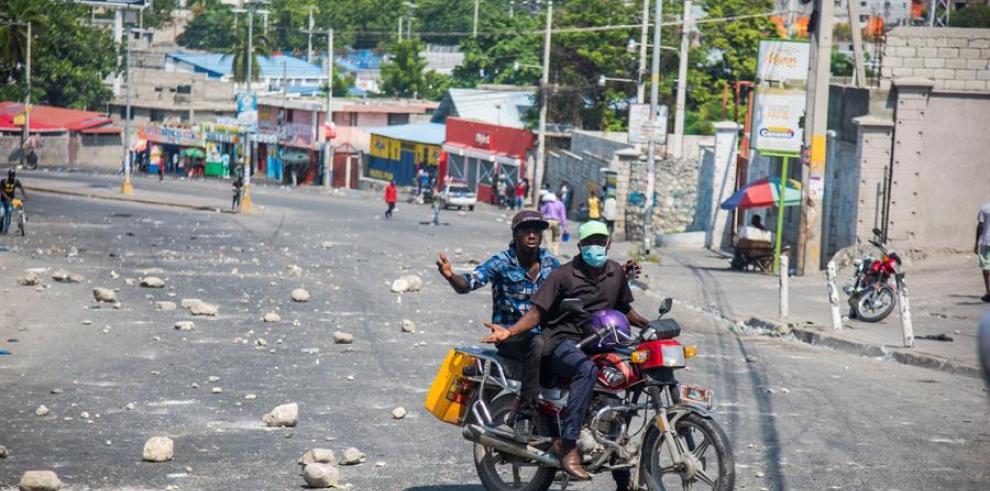 Puerto Príncipe se paraliza en una jornada de protestas por la falta de gasolina