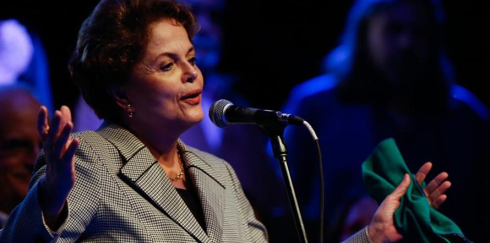 Dilma Rousseff discrepa con Macron sobre la gestión de la Amazonía