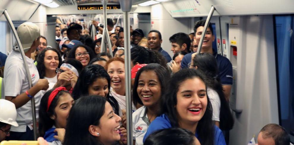 El Metro de Panamá moviliza a medio millón de personas en un solo día