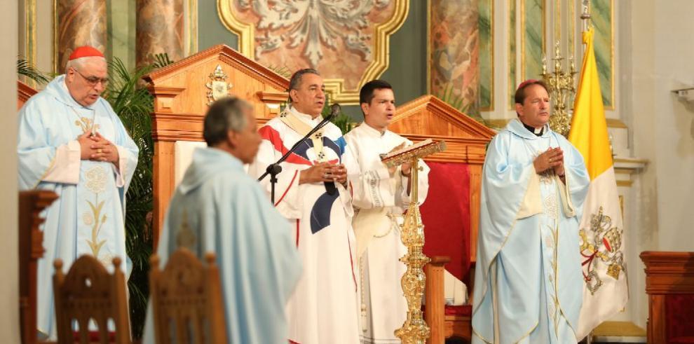 Primera eucaristía en la renovada Catedral de Panamá