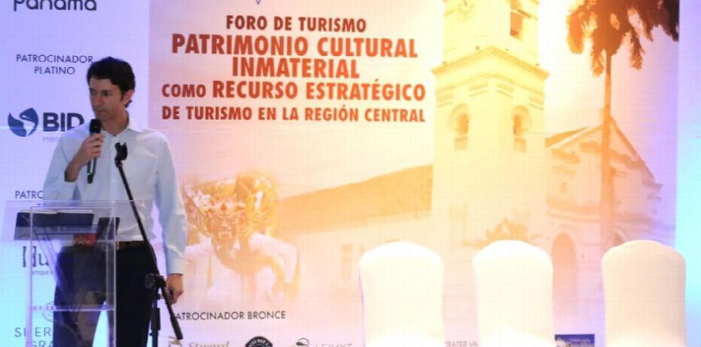 Ministro de Turismo resalta Ruta del Folklore