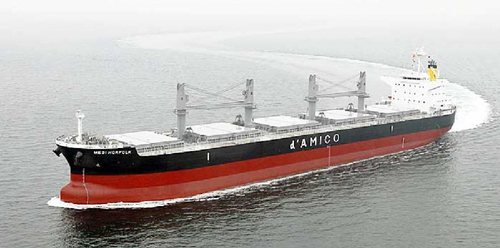 Buque japónes 'Medi Norfolk' de 60 mil toneladas porta bandera panameña