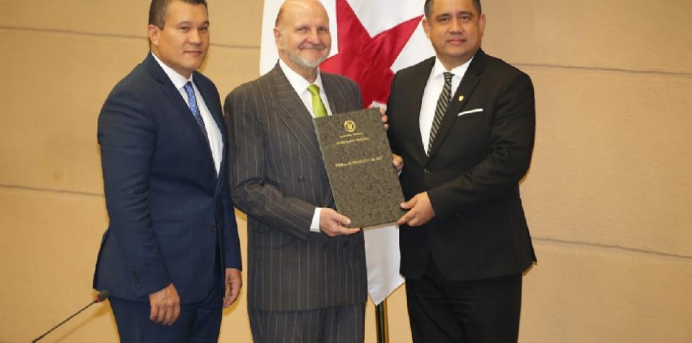 Asamblea Nacional ratifica a Giovanni Ferrari como gerente de la ZLC