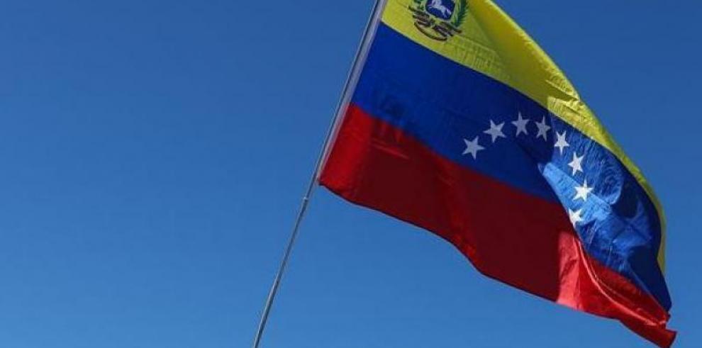 Electricidad y gasolina en Caracas, el oasis de la crisis venezolana