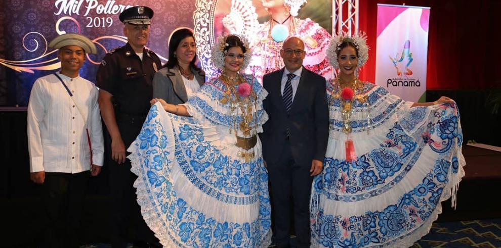 Panamá espera cientos de visitantes de la JMJ en Desfile de las Mil Polleras