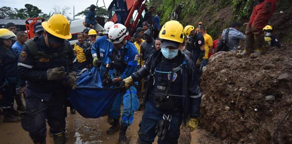 Las lluvias provocan un derrumbe que deja al menos 15 muertos en Colombia