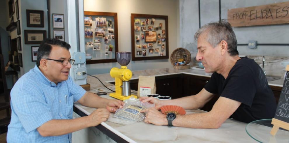 Subasta electrónica de cafés especiales panameños atrae a 177 compradores