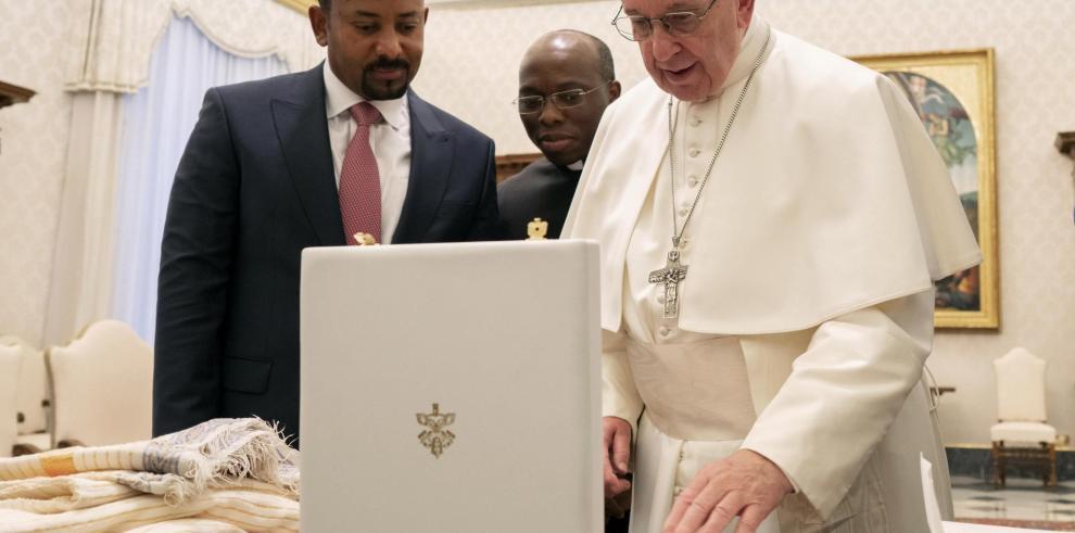 'Dios' la palabra que más tuiteó el papa Francisco en el año 2018