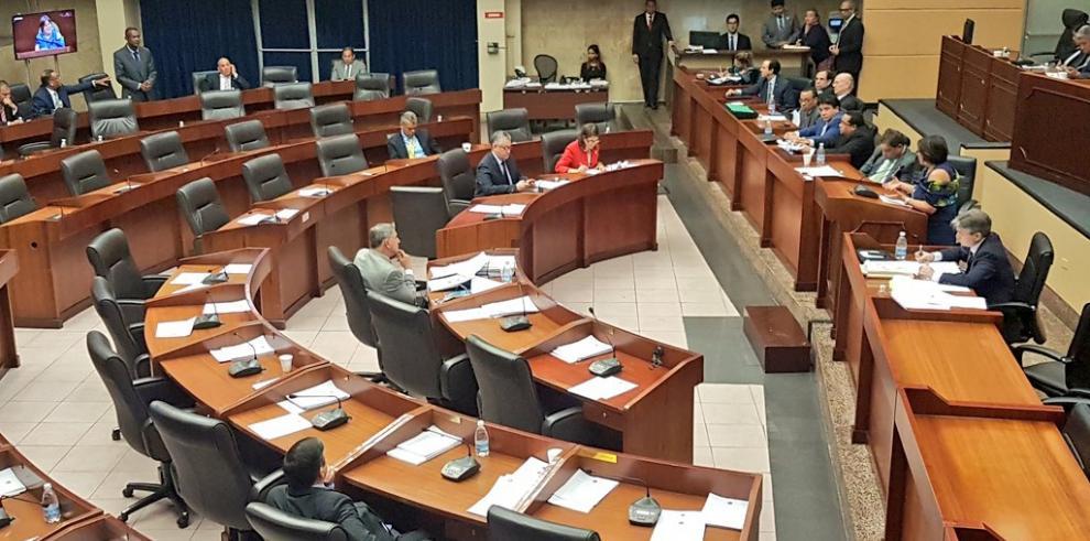 Pleno de la Asamblea en sesión permanente por el proyecto de evasión fiscal